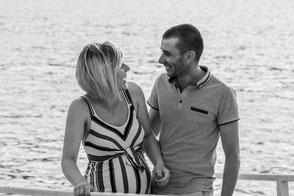 Fotografie Reutlingen Babybauch Schwangerschaft Metzingen Pfullingen Liebespaar werdende Eltern glücklich