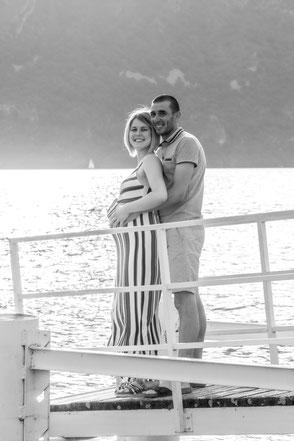 Fotografie Reutlingen Babybauch Schwangerschaft Metzingen Pfullingen Liebespaar werdende Eltern glücklich Virginie Varon