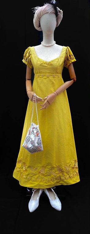 Location costumes historiques robe de bal premier empire Paris Bordeaux