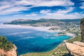 Photo de la baie de Cassis depuis la route des crêtes