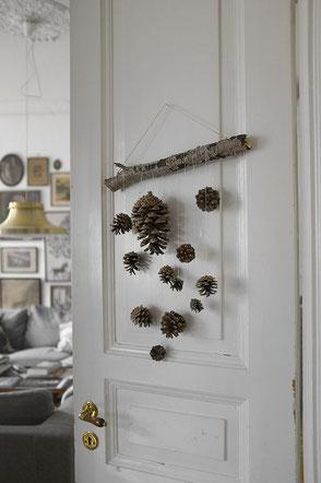 10 Plus Pine Cone Crafty Decor DIY Ideas