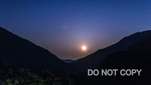 月の出タイムラプス 徳畑祐司