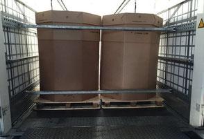 Bild: Gefahrgut-Transport in Oktabins (je 1.000 kg)! Beförderung von Granulaten, Mahl- und Schüttgut.