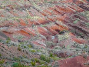 Lac du Salagou géologie volcanisme terre rouge paysage