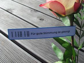 Rose mit Geburtstagsgruß von der Klavierstimmerin (Rückseite)