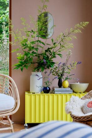 dieartige // Design Studio - Gelb & Blau an Dusty Peach, des Sommers Töne..