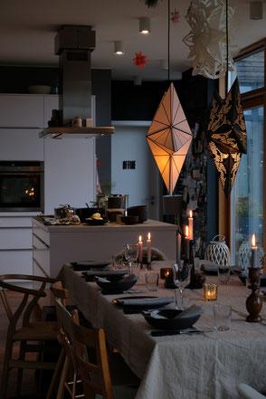 dieartige // Design Studio - #Esstisch #Küche #Esszimmer #Advent #Weihnachten #Dekoration #Weihnachtsessen