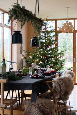 dieartigeBLOG - Esstisch Weihnachtsessen, Christbaum + diningroom christmas dinner, christmastree