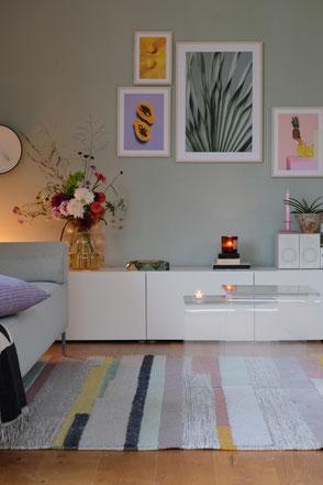 dieartige // Design Studio - Wohnzimmer in Sommerlaune, Sideboard + Posterwand