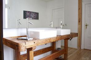 dieartige // Design Studio - Badezimmer Neugestaltung im Altbau, Werkbank als Waschtisch