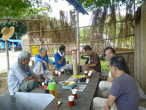 竹灯篭作りや庭園管理など話しが弾みました
