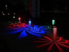 LEDの灯りは想いもよらぬ影を映し出します!