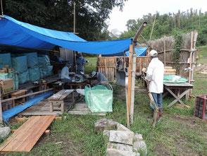 小屋に保管していた竹灯篭の整理実施