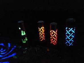LEDの効果で彫灯篭の輪郭がはっきり浮かびます!