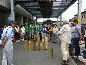 東浦竹灯篭の会木村会長の挨拶と活動紹介