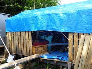 竹灯篭の保管場所を坂口さんが作ってくれました
