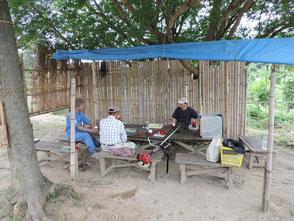森のカフェで休憩