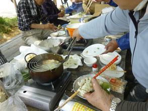 色々な野草の天ぷらを味わいました