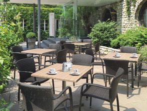 Gastronomie Möbel Tische und Bestuhlung.