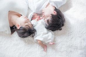 ニューボーンフォト ニューボーン写真 新生児 新生児写真 赤ちゃん 出張撮影 出張カメラマン 生後2週間 東京 おしゃれ