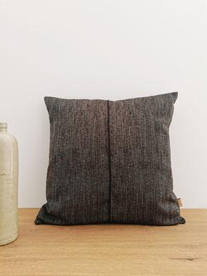 coussin made in Belgium noir easyclean texture
