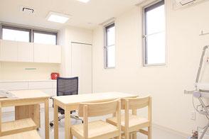 診察室 2