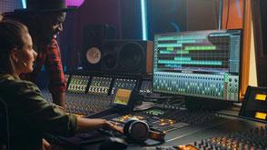 室内音響のコンサルテーション,測定,インストールサービスの提供