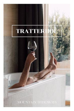 12 spektakuläre Hotel-Badewannen in den Alpen! Im TRATTERHOF ist die überschäumende Urlaubsfreude in privater Atmosphäre garantiert! #wellnesshotel #luxushotel #wanderhotel #südtirol #gitschberg #dolomiten #mountainhotel #mountainhideaways