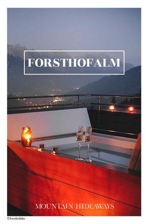 12 spektakuläre Hotel-Badewannen in den Alpen! Im Holzhotel FORSTHOFALM ist die überschäumende Urlaubsfreude in privater Atmosphäre garantiert! #wellnesshotel #luxushotel #adultsonly #leogang #salzburgerland #saalfeldenleogang #mountainhideaways