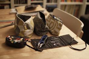 Matériels de couture : épingles, porte aiguille, coupe fil, ciseaux