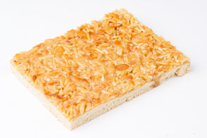 Küster Kuchen Bienenstich Mandeln gestiftelt gehobelt Platte Familienstück