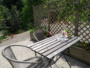 Ihre Terrasse zum Entspannen oder Grillen.