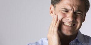 Woran kann man erkennen, ob ein Zahnnerv abgestorben ist?