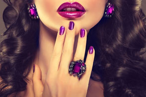 Hochwertige Handcremen, Nagellacke und Nagelprodukte günstig kaufen.