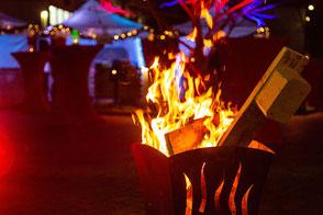 Wärmende Feuerkörbe für Ihre Gäste