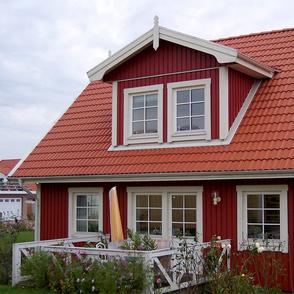 Rotes Holzhaus Malmö von Berg im Schwedenstil