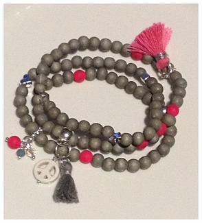 Armband, 3-fach, Holzperlen, Acrylperlen Metallzwischenteile, Quasten auf Silikonband.