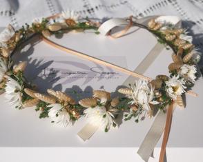 Couronne de fleurs pour la mariée. Fleurs séchées Francaises et fleurs stabilisées. Création faite main dans le sud de la France.
