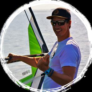 Wassersportkurse mit Volker bei Oceanblue Watersports - Surfen, Kitesurfen, Wellenreiten lernen