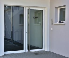 Türe Einfamilienhaus Metallbau