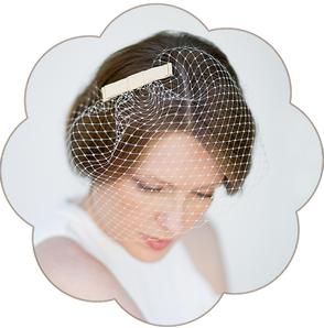 Birdcage - Netz Schleier mit Schleife Seide beige für die Braut. 50er/ 60er Jahre Style. Fascinator, Veil wedding. Standesamt Kopfschmuck.
