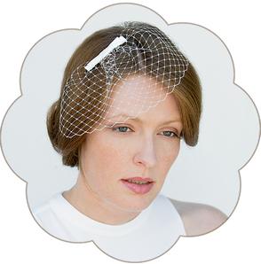 Pfiffiger Fascinator Schleier mit Schleife Seide für die Braut. Fascinator, Birdcage, Veil wedding.
