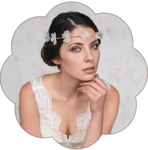 Haarkranz mit kleine feine Seiden Blüten für eine moderne, bohemian, boho, Tracht Hochzeit und Braut. Boho, Bohemian, Vintage  Trachten Hochzeit.
