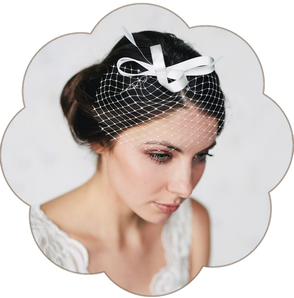 Fascinator mit Schleiernetz und Federn für Hochzeit und Standesamt. Hairaccessoires, Fascinator, birdcage wedding.