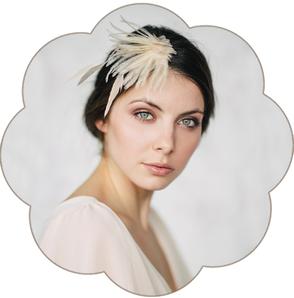Feder Kopfschmuck in Pastelltönen und aus feinster Seiden-Organza für Hochzeiten, Standesamt.