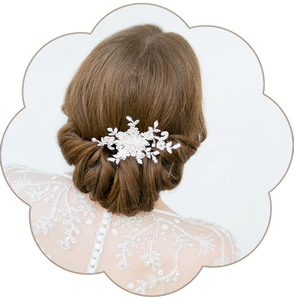 Fascinator aus Spitze. Bohemian Vintage Kopfschmuck in Ivory. Spitzen Haarschmuck. Lace Headpiece wedding. Lace Fascinator for the boho look.