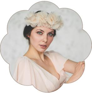 Blüten Haarkranz in Pastelltönen aus feinster Seiden-Organza für Hochzeiten, Standesamt. Boho, Bohemian Stil Haarschmuck.
