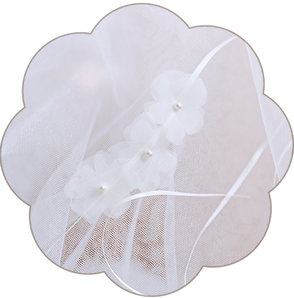 Haarband mit Seidenorganza Blüten. Bohemian Boho 20er Jahre Brauthaarschmuck aus Seide. 2018 Kopfschmuck aus Seide in Ivory. Headpiece wedding. Silk hair accessorie for the boho look.