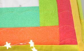 Log Cabin Kissen mit Lineal gequiltet