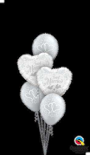 Ballon Luftballon Heliumballon Ballonbouquet Bouquet Ballonstrauß Strauß Just Married Hochzeit Polterabend Deko Dekoration Geschenk Mitbringsel Überraschung Brautpaar Herzen Tauben